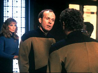 Star Trek: TNG 6x02 El Reino del Miedo
